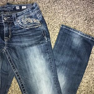 Size 29 bootcut miss me jeans!